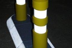 Helleblok - farvede pullerter i mørket